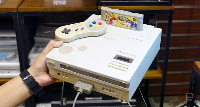 Ben Heck powers on the Nintendo PlayStation's CD drive