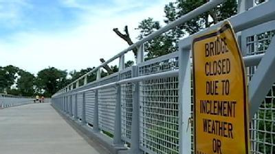 Council Bluffs Side Of Pedestrian Bridge Closed
