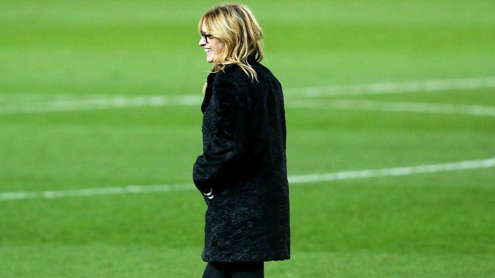 VIDEO - Spettatrice di lusso al Bernabeu: Julia Roberts visita il Real e Barcellona