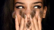 ¿El último trend en manicura? ¡Uñas peludas!