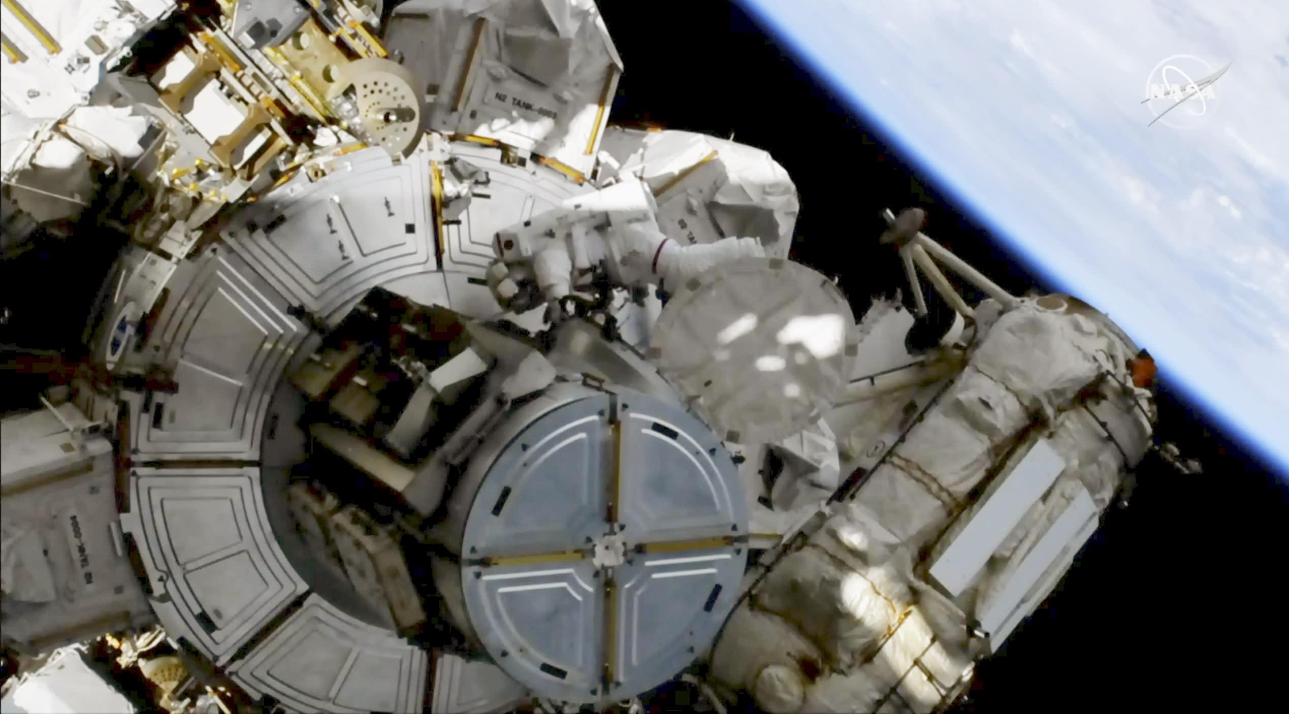 Russian Cosmonaut Alexei Leonov, First Human to Perform Spacewalk, Dies