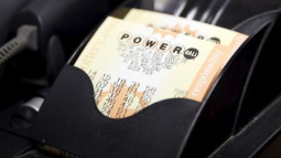 U.S. Powerball jackpot grows to $422 million, eighth largest ever