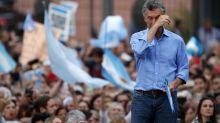 Multitudinaria concentración para despedir a Macri