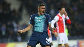 Após passar dos 50 gols pelo Porto, Tiquinho Soares quer a Liga Europa