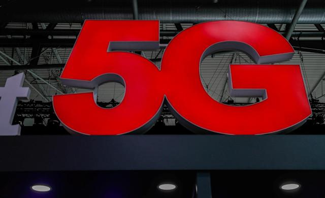 FCC starts its first high-band 5G auction