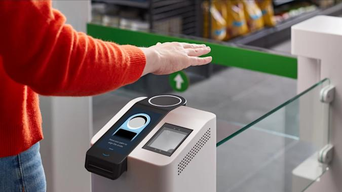 Amazon Go stores contactless palm-reading payments