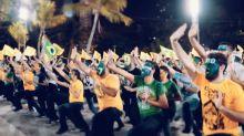 Grupo do Nordeste dança em homenagem à Bolsonaro
