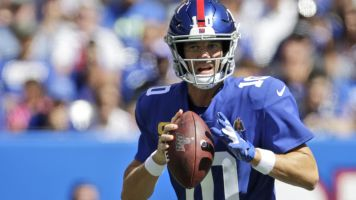 Giants won't commit to starting Eli in Week 3