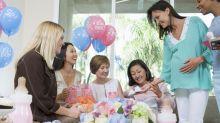 12 regalos muy originales para triunfar como invitada en una 'baby shower'
