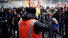 Retraites : le bras de fer se durcit entre le gouvernement et les syndicats