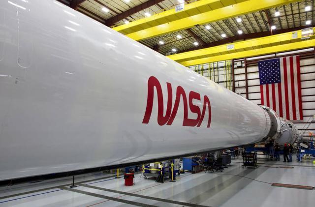 NASA's iconic 'worm' logo will adorn the Falcon 9 Crew Dragon rocket