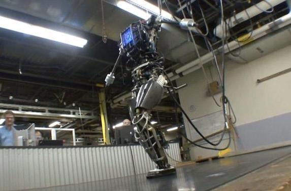 DARPA's Atlas robot will be taught to save you if the sky falls (video)