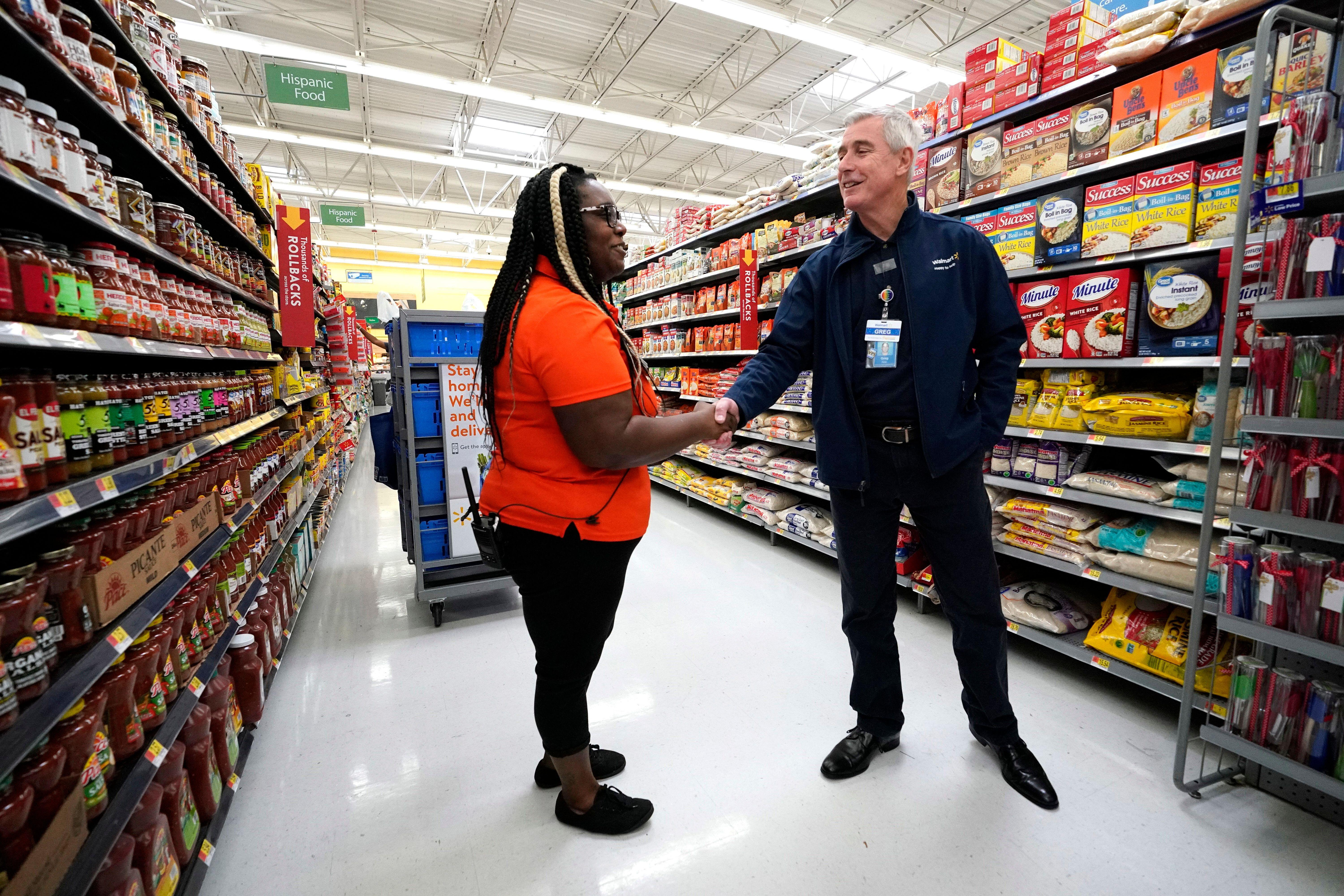 Walmart comp store sales and earnings beat expectations