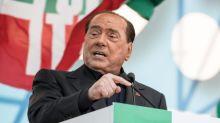"""Italie : l'état de Silvio Berlusconi, hospitalisé après avoir été testé positif au Covid-19, est """"stable"""""""