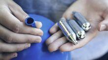 """Cinq questions sur le protoxyde d'azote, ce """"gaz hilarant"""", dont la consommation inquiète les autorités"""