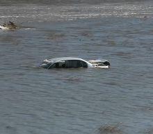 3 dead as hundreds of homes flooded across Midwest; VP Mike Pence to visit Nebraska