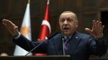 Tensão entre Rússia e Turquia sobe de tom por ofensiva na Síria