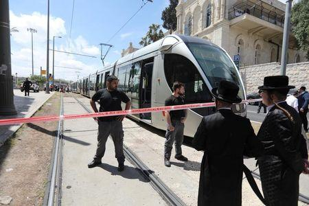 Un palestino apuñala a una mujer británica en un tren de Jerusalén