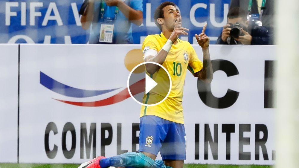 ►'Fazendo estripulia', Neymar é exaltado ao lado de Ronaldo e Ronaldinho em vídeo