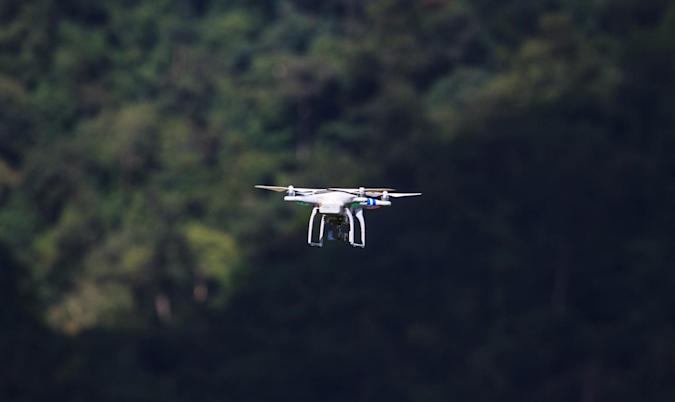 Stats show small drones pose 'minimal' risk to planes