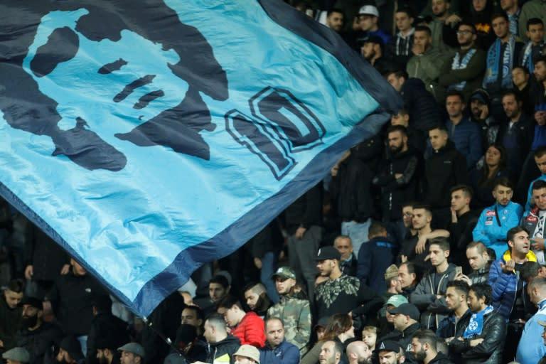"""""""Que o Napoli ganhe logo o campeonato italiano"""", deseja Maradona em seu 60º aniversário"""