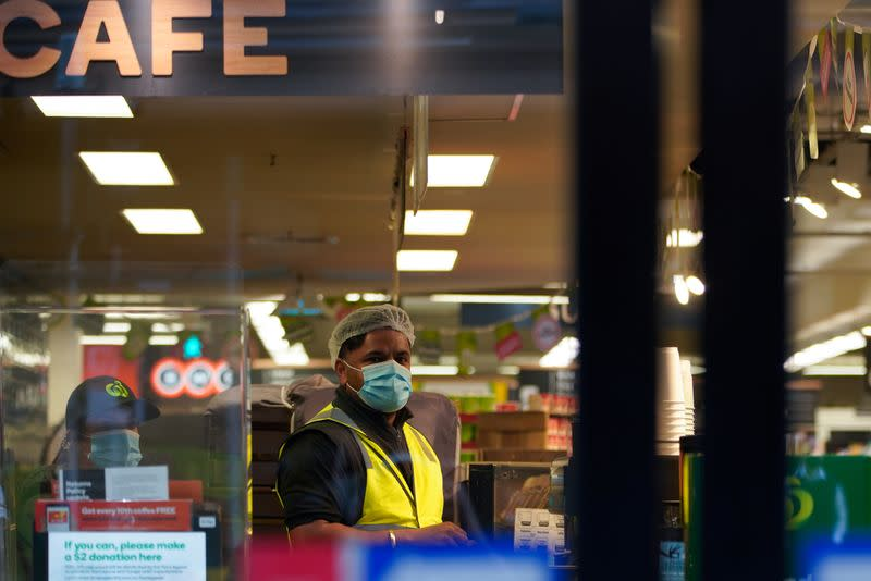 Australian retailers suffer worst quarter in two decades, exports shine