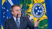 """Bolsonaro pede volta de aulas e diz que sindicatos de professores têm interesse que alunos """"não aprendam"""""""