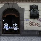 Czechs enter 2nd lockdown to avoid health system collapse