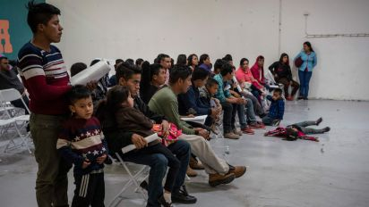 Pentagon to build shelter to house migrants