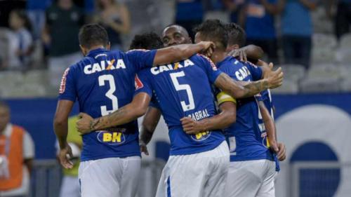 Bola parada se torna arma do Cruzeiro diante do América/TO