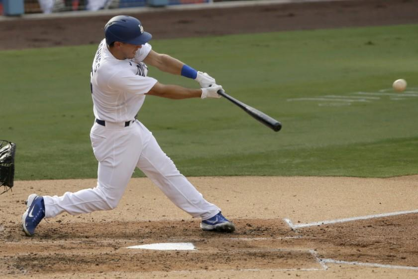Dodgers' Austin Barnes breaks out offensively, with some help from Mookie Betts