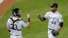 Robert leads 1st-place White Sox in rally past Twins 8-5