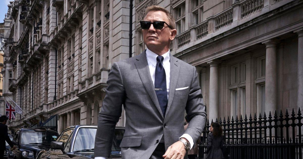 Daniel Craig S James Bond Is Back In First Poster For No
