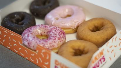 Dunkin' Donuts taps Grubhub for delivery rollout