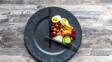 Comer menos calorías alargaría la vida… lo dice la ciencia