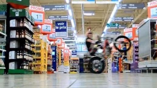 French supermarket lets motocross ace loose in their store