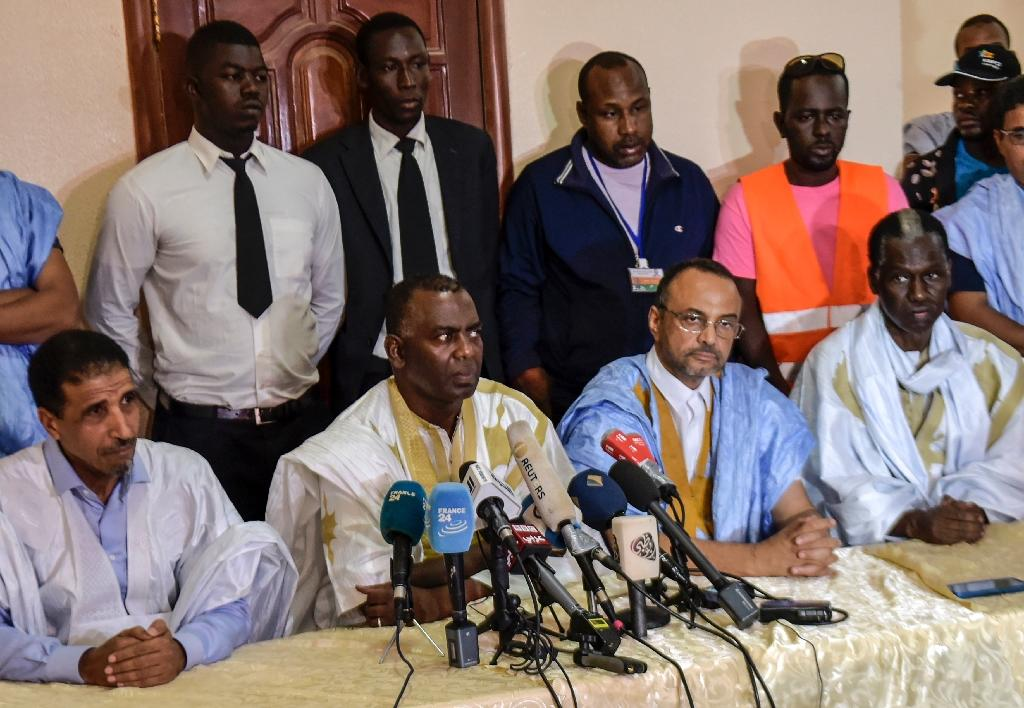 Four rival candidates have denounced Mohamed Ould Ghazouani's claims that he had won an outright victory in the first round