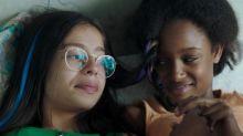 """""""Mignonnes"""" : face aux attaques de la droite américaine, Roselyne Bachelot prend la défense du film et de sa réalisatrice Maïmouna Doucouré"""
