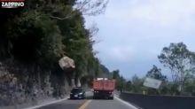 Cet automobiliste a frôlé la mort d'une seconde ! (Vidéo)