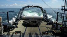 Primeira nave tripulada dos EUA em uma década pousa no Golfo do México