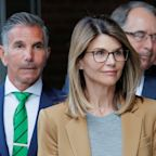 Lori Loughlin received no special treatment and is in COVID-19 quarantine, prison says