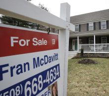 Long-term US mortgage rates fall for first time this year