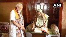PM Modi, Mamata and Bangladesh PM Sheikh Hasina at Shantiniketan