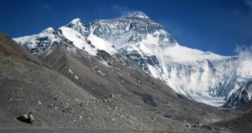 Alpinisme - Trop de morts sur l'Everest : la terrible problématique de l'affluence sur le toit du monde
