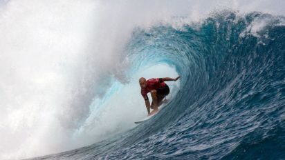 Surf champion Kelly Slater calls for daily shark cull on Réunion
