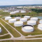 Oil prices rise on higher U.S. gasoline demand, refinery runs