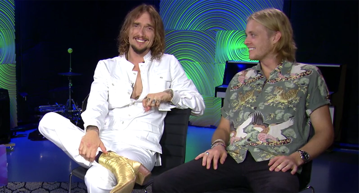 The Darkness, featuring Queen-descendant drummer Rufus Taylor, still  believe in a thing called rock [Video]