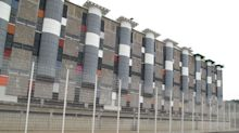 Une ado de 14 ans en fugue retrouvée à la prison de Fleury-Mérogis