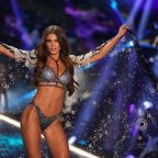 Victoria's Secret CEO resigns amid flagging sales and model controversy
