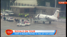 Harry and Meghan arrive at airport on route to Dubbo